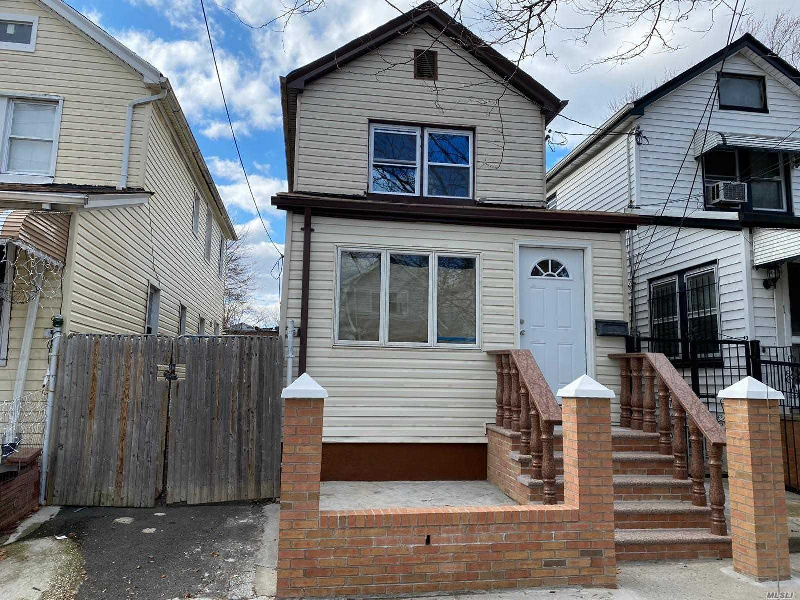 131-32 135th Place, S. Ozone Park, New York 11420, 3 Bedrooms Bedrooms, 9 Rooms Rooms,3 BathroomsBathrooms,Residential,For Sale,135th,3216427