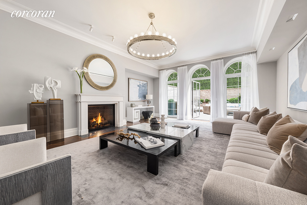 TH2 20 East End Avenue, New York, New York 10028, 4 Bedrooms Bedrooms, ,5 BathroomsBathrooms,Unitsale,For Sale,20 East End Avenue,CORC-5670235